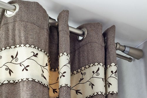 6 Mistakes To Avoid When Choosing Curtain Cleaning & Installation Company