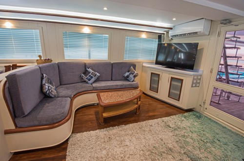 Carpet Cleaning On Yacht, Cruise, Vessels, And Ships